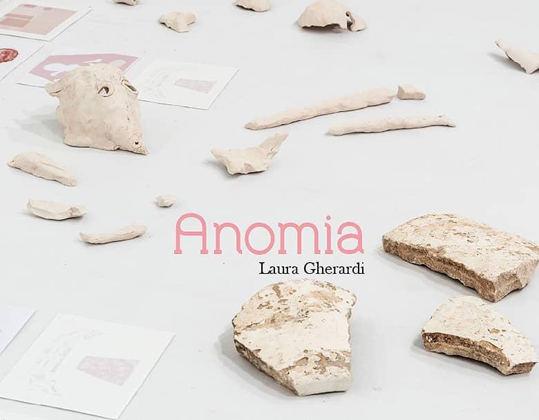 Presentación del catálogo 'Anomia' de Laura Gherardi